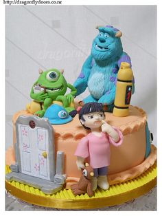 Monsters Inc Cake / Bolo Monstros S. by Dragonfly Doces. Crazy Cakes, Fancy Cakes, Pretty Cakes, Cute Cakes, Fondant Cakes, Cupcake Cakes, Fondant Figures, Monster Inc Cakes, Cake Blog