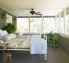 Modern Lake House Bedroom Ideas (30)