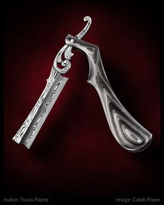 Sweeney Todd's blade he used during the play. It is his most beloved item and it is an important prop. Straight Razor Shaving Kit, Shaving Razor, Wet Shaving, Cool Knives, Knives And Swords, Custom Straight Razors, Knife Art, Safety Razor, Custom Knives