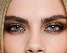 Cómo elegir el color de lipstick perfecto según tu eye makeup