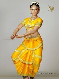 First Dance Costume Indian Dance Costumes, Anushka Photos, Indian Classical Dance, Dance Poses, Most Beautiful Indian Actress, Indian Beauty Saree, Indian Girls, Indian Art, India Beauty