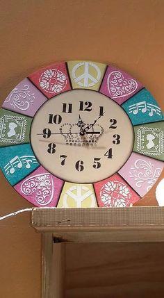 Decoupage Art, Decoupage Vintage, Clock Craft, Big Clocks, Decoupage Printables, Dot Art Painting, Unusual Gifts, Recycled Crafts, Diy Wall Art
