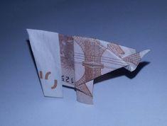 Elefant aus einem Geldschein gefaltet