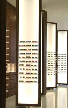 Find out all photos and details of Ottica BERGOMI, Italy on Archilovers. Browse the complete collection of pictures and design drawings Showroom Interior Design, Retail Interior, Jewelry Store Design, Eyewear Shop, Glasses Shop, Retail Store Design, Store Fixtures, Shop Interiors, Shops