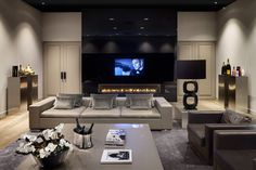 Metropolitan Luxury living room by Eric Kuster