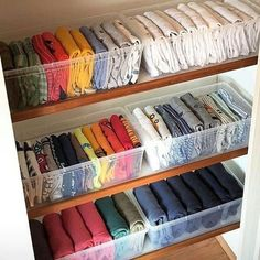 tidy home inspiration Marie Kondo is known for her book quot;The Life-Changing Magic of Tidying Upquot; and she now has a Netflix series quot;Tidying Up with Marie Kondo. Organizar Closets, Home Organization Hacks, Dresser Drawer Organization, Organizing Ideas, Organizing Small Closets, Baby Wardrobe Organisation, Small Closet Storage, Small Bedroom Organization, Dollar Tree Organization
