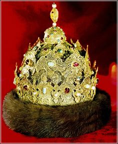 Crown of the Kingdom of Kazan.  Gold, precious stones and pearls. Russia. 1553.  Armoury Chamber of the Moscow Kremlin.  Diamond Fund. Moscow, Russia.