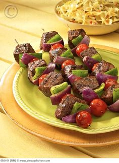 Steak Shish Kabobs will be on this weekend's menu Steak Kabobs, Shish Kabobs, Kabob Recipes, Steak Recipes, Chicken Spagetti, Grillin And Chillin, Dinner With Friends, Fabulous Foods, Love Food