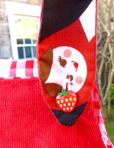 Organic Matryoshka Doll Dress strawberry button detail by ©Imogen's Wardrobe Matryoshka Doll, Crafty Kids, Projects For Kids, Christmas Stockings, Strawberry, Organic, Dolls, Button, Detail