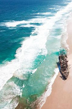 The Spots You Cannot Miss on Fraser Island - RatPack Travel Fraser Island Australia, Coast Australia, Visit Australia, Australia Travel, Scuba Diving Australia, Sand Island, Australian Beach, Going On Holiday, Amazing Destinations