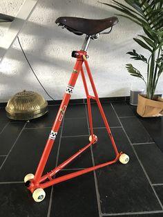 Bike Storage Furniture, Metal Furniture, Unique Furniture, Diy Furniture, Bicycle Store, Bicycle Art, Bicycle Design, Easy Home Decor, Diy Home Crafts