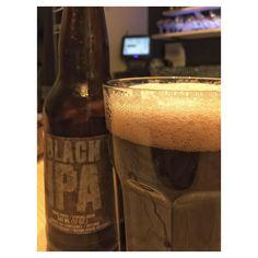 Hoy probamos este BLACK IPA de @dunhambrasserie y está excelente. La tenemos disponible en beershooter malasaña.  #beershooter #malasaña  #malasañamola  #condeduque  #condeduquegente  #madrid #madridmola #madridmemola #cervezaArtesana #craftbeermadrid #cervezaartesanamadrid #rinconesdemalasaña #ganasdemalasaña #madridtime  #callelapalma #beermadrid  #cervezamadrid #tapas #tapeo #tequeños #sabado  #madridfoodtour #venezuelaenmadrid #beershootermalasaña #tapas #tapeo #beerporn #foodporn…