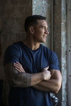 See which one is for you. Sonny Bill Williams, Hot Rugby Players, Polynesian Men, All Blacks Rugby, Australian Football, Rugby Men, Human Poses Reference, Samoan Tattoo, Back And Biceps