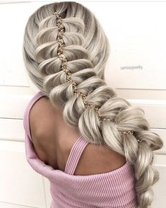 Nice Braided Hairstyles for Long Hair In 2020 Calling for Gorgeousness with 45 Pretty Braided Hairstyles Pretty Braided Hairstyles, Bridal Hairstyles With Braids, Hairstyles Haircuts, Natural Hair Braids, Braids For Long Hair, Natural Hair Styles, Long Hair Styles, Frizzy Wavy Hair, Messy Braids