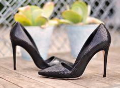 Shoe Love: alice + olivia Black Snakeskin Pumps