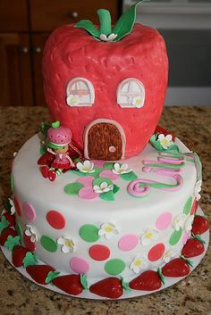 The cake I made for my Lily's Strawberry Shortcake birthday.