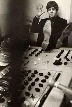 #PaulMcCartney at Abbey Road Studios in 1965 #TheBeatles