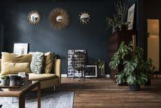 Sarah vit à Anvers et elle a passé un temps fou à décorer méticuleusement son joli deux pièces. Le résultat est à la hauteur de son inves...