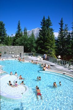 Las Hot springs se encuentran frente al Hotel RImrock en el Parque Nacional de Banff