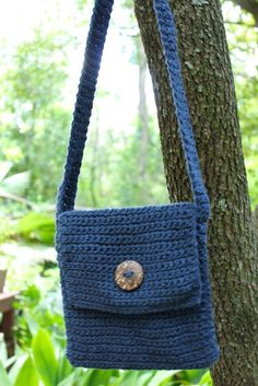 With a shorter strap than the adult version, this bag is perfect for the tween in your life. Great for the new school year!  Perfect for the upcoming Fall season, this crossbody bag has a fold over top with a button to secure it closed. Each bag is hand crocheted by a refugee woman, located in ...