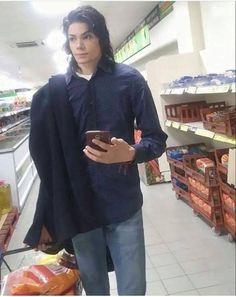 Michael Jackson look-alike Michael Jackson Look Alike, Michael Jackson Funny, Walmart Meme, Rage, Victorious Nickelodeon, Michael Jackson Wallpaper, Funny Sites, Lol, Good Humor