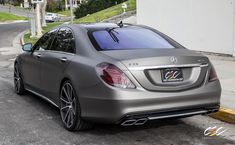 RennTech Mercedes-Benz S63 AMG with staggered 22