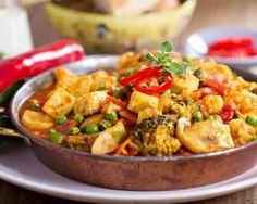 Curry végétarien au tofu et aux légumes (facile, rapide) - Une recette CuisineAZ