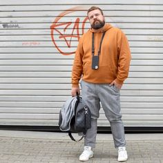 click in the pic Chubby Men Fashion, Mens Plus Size Fashion, Fashion Male, Big Men Fashion, Outfits For Big Men, Stylish Mens Outfits, Harrington Jacke, Body Positivity, Plus Size Kleidung