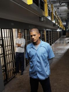 "Wentworth Miller (Michael Scofield) and Dominic Purcell (Lincoln Burrows) in ""Prison Break"" Dominic Purcell, Prison Break 3, In Prison, Broken Movie, Lincoln Burrows, Wentworth Miller Prison Break, Peter Berg, Little Dorrit, Top Tv Shows"