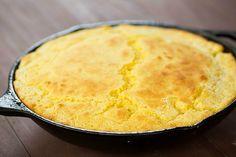 Skillet Cornbread Recipe for Thanksgiving! Easy Cornbread Recipe, Skillet Cornbread, Skillet Bread, Skillet Meals, Skillet Recipes, Thanksgiving Recipes, Fall Recipes, Holiday Recipes, C'est Bon