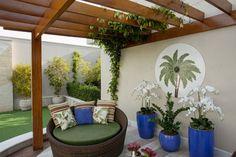 Orquídeas e palmeiras podem ser usadas na decoração de jardins e ambientes fechados.
