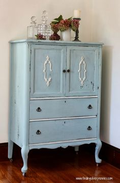 Love this painted dresser makeover by @Danielle Driscoll using @Miss Mustard Seed milk paint