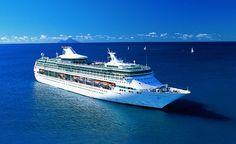 Le Splendour of the seas, compagnie Royal Carribean. Capacité: 2435 passagers. #croisière #croisierenet.com #voyage #bateau #RoyalCarribean