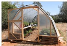 Building a Cattle Panel Pallet Greenhouse | Peak Prosperity