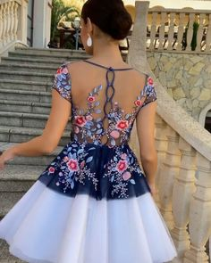 """Dress Queen on Instagram: """"Gorgeous 🤩😍 . 💃@silvianavarrocollection"""" Queen Dress, Floral, Instagram, Base, Dresses, Fashion, Sewing By Hand, Tulle, Fingernail Designs"""