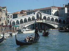 Rialto Bridge (Ponte di Rialto): Ponte di Rialto dal Carnevale di Venezia 2012