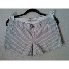 Old Navy shorts Stripes are color denim blue and beige. No damage worn a handful of ,3rd pic is exact. Sz 2 could also fit a 4 Old Navy Jeans