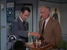 Get Smart. Fotograma del episodio 'Aboard the Orient Express', de 1965 Spy Shows, 70s Tv Shows, Movies And Tv Shows, Don Adams, History Of Television, Retro, Vintage Tv, Moving Pictures, Show Photos