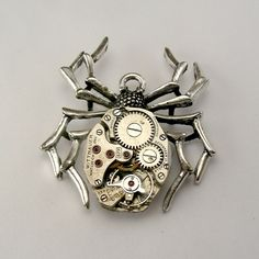 SIMPLY Steampunk spider pendant
