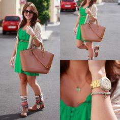 Trendtation.com : Mira el Full Blooded dorado en este look. Tenlo igual, nosotros te lo ofrecemos en nuestra página  http://www.marjoya.com/regalos-para-ella---mujer-reloj-swatch-full-blooded-unisex-svck4032g-p-97.html