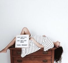 It can be so hard to sleep those last few months of your pregnancy! It can be so har Funny Maternity Pictures, Cute Pregnancy Pictures, Baby Bump Photos, Maternity Quotes, Unique Pregnancy Announcement, Pregnancy Signs, Pregnancy Humor, Toddler Sleep, Baby Sleep