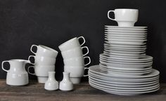 A superb set of classic white porcelain by the master of mid-century dinnerware, Thomas Rosenthal. This set is from the Rosenthal Studio Line -
