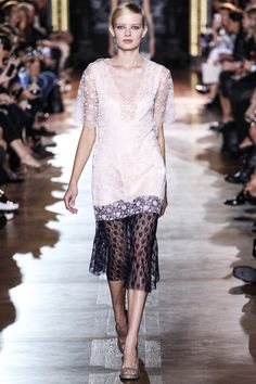Stella McCartney Spring 2014 RTW - Review - Fashion Week - Runway, Fashion Shows and Collections - Vogue