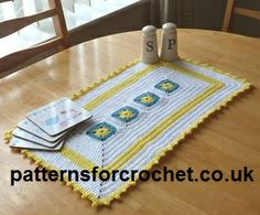 Free crochet pattern for table centre from  http://www.patternsforcrochet.co.uk/decorative-centre-piece-usa.html #crochet