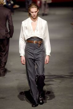 lestatsweetheart:    I suppose, Alexander McQueen could have been Lestat's favorite fashion designer.Men's: Fall/Winter 2006-2007. Inspired by stylish Vampires, Oliver Twist and Dracula.