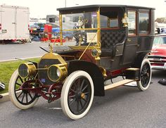 1908 Locomobile Model 40 limousine with Over 940 Different Classic Cars  http://pinterest.com/njestates/cars/