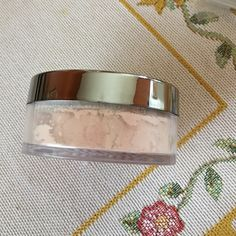 New Mary Kay Mineral Powder Foundation Ivory 9.5, a best seller Mary Kay Makeup Foundation