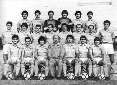 Le forze del Napoli quando vinse il primo scudetto e la Coppa Italia col double 1986-87. Da sinistra, in alto: Bruscolotti, Bigliardi, Di Fusco, Garella, Carnevale I, Filardi; al centro: Ferrara, De Napoli, Carannante, Volpecina, Bagni, Ferrario, Sola, Renica; in basso: Muro, Celestini, Maradona, Bianchi (allenatore), Caffarelli, Giordano, Puzone