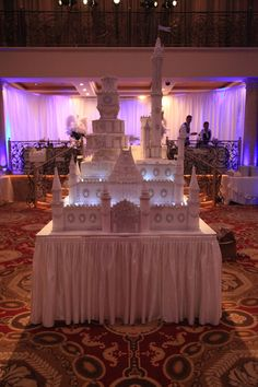 Castle wedding cake by Cake Central! RushWorld says this is a lavish fairytale come true. Enjoy RushWorld boards,  WEDDING CAKES WE DO,  UNPREDICTABLE WOMEN HAUTE COUTURE and MOOD BUSTERS FEEL BETTER NOW.  See you at RushWorld on Pinterest! New content daily.