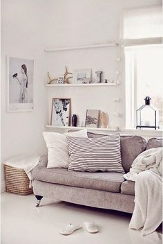 I love this simple, stylish and chic living space that is also very family friendly - neutral colours and Scandi inspiration